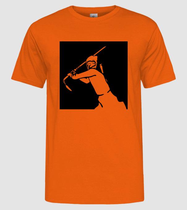 c79a14c4c5 ninja minta narancssárga pólón
